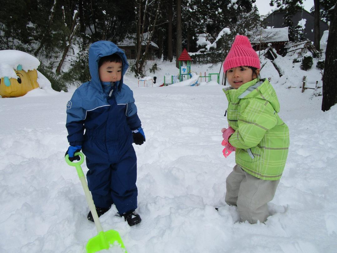 雪遊び!楽しいねー!!!